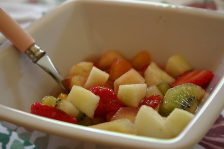 Minestrone de fruits au basilic