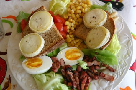 Assiette - salade de chèvre chaud